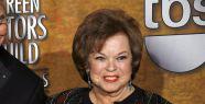 Hollywood'un altın kızı Shirley Temple öldü...