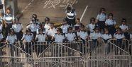 Hong Kong'da polis geri çekildi