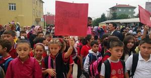ilkokul Öğrencilerinden Eylem