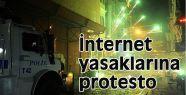 İnternet yasaklarına protesto gözaltı getirdi