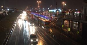 İstanbul'da beklenen yağış geldi...