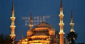 İstanbul mahyalarla aydınlandı