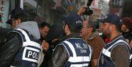 İzmir'de 14 tutuklama