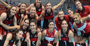 Kadın Voleybol Milli Takımı İtalya'yı 3-0 mağlup etti