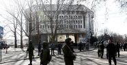 Kırım parlamentosu kuşatıldı...