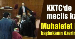 KKTC'de meclis karıştı...