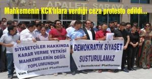 Mahkemenin KCK'lılara verdiği ceza protesto edildi...