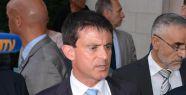 Manuel Valls görevi devraldı...