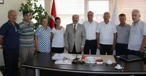 MHP'li Erhan Usta'dan Türk Kızılayı Samsun Şubesine bağış