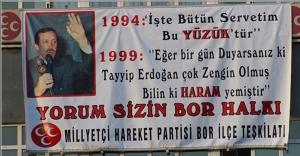 MHP'ye Asılan Pankart Kriz Oluşturdu