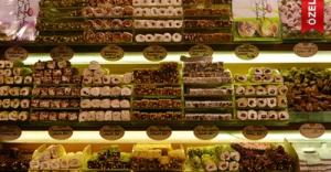 Mısır Çarşısı'nda 'tatlı' bayram telaşı