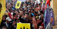 Mısır'da darbe karşıtlarına hapis cezası...