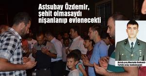 Özdemir'in Eskişehir'deki baba evi yasa boğuldu.