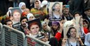 PKK'lı Kadınların Cenazesi Türkiye'de
