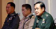 Prayuth Chan-ocha Kendini Başbakan İlan Etti