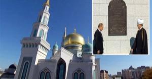 Putin Moskova'da Cami Açılışı Yaptı