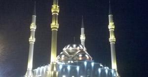 Şah Süleyman Camii Işık Saçıyor