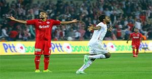 Samsunspor'u penaltılarla geçen Antalyaspor, yeniden Süper Lig'de