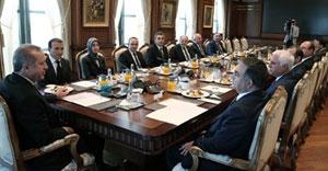 Saray kabulüne CHP ve HDP katılmadı