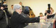 Sırbistan'da genel seçimler başladı...
