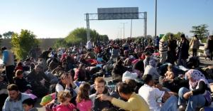 Suriyeli sığınmacılar  Er Meydanı'nda geçirdi