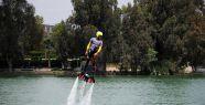 Suyla uçan adam