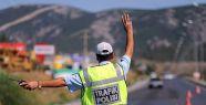 Trafikte mini yaka kemerası dönemi