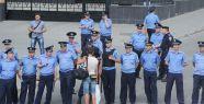 Ukrayna'da 17 bin polise uzaklaştırma