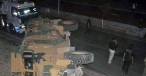 Zırhlı araç devrildi! 13 asker yaralı