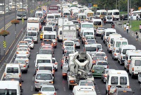 Trafiğe kayıtlı araç sayısı arttı...