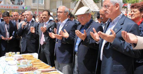 Türk Dil Bayramında 10 bin kişi buluştu