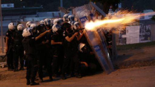 Türkiye'ye biber gazı satmayın