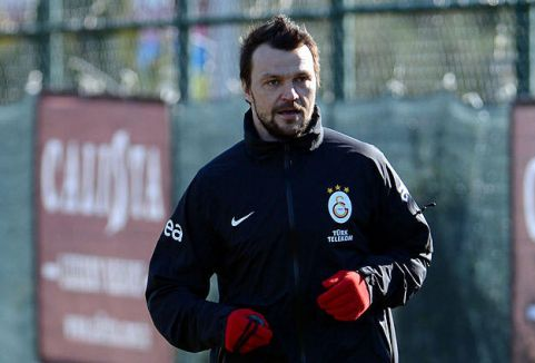 Ujfalusi Galatasaray'a dönüyor