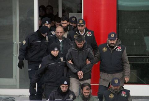 Van merkezli operasyonda 9 tutuklama...
