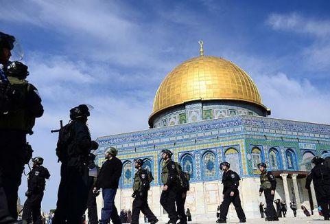 Yahudiler Mescid-i Aksa'ya Girmeye Çalışıyor