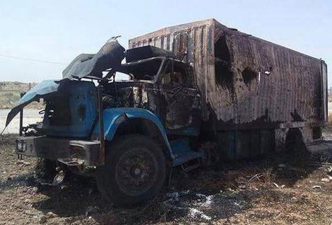 Yardım tırını Suriye jetleri vurdu...