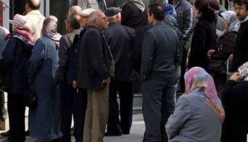 Yaşa takılan 500 bin kişiye emeklilik