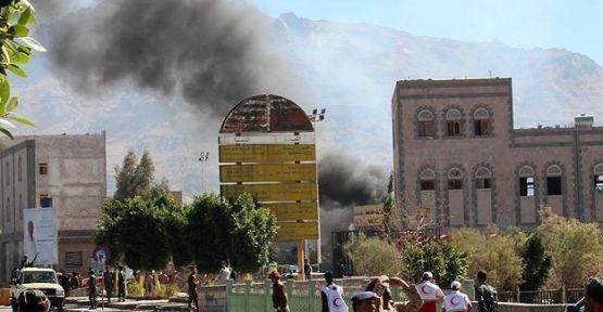 Yemen Savunma Bakanlığı'nda patlama...
