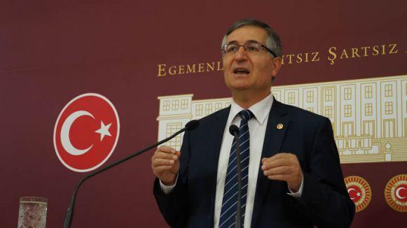Yeniçeri:'Basın özgürlüğünü AKP'yi övme özgürlüğüne çevirmiştir'