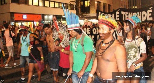 Yerlilerin öfkesi sokağa taştı