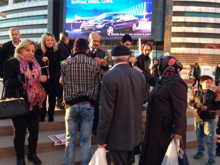 Yolsuzluğa karşı düdüklü protesto eylemi yapıldı