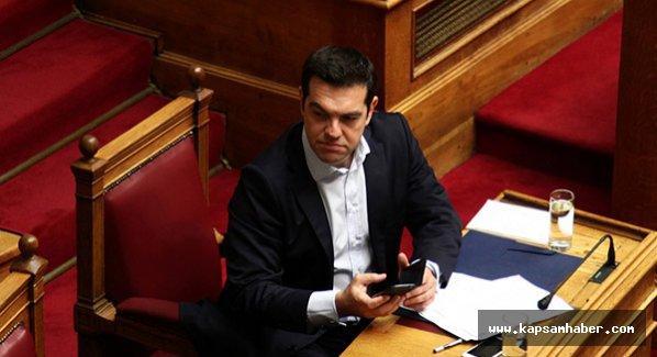 Yunanistan Çipras istifa etti