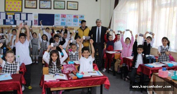 Zeytinburnu'nda 20 Bin Öğrenciye Kırtasiye Yardımı